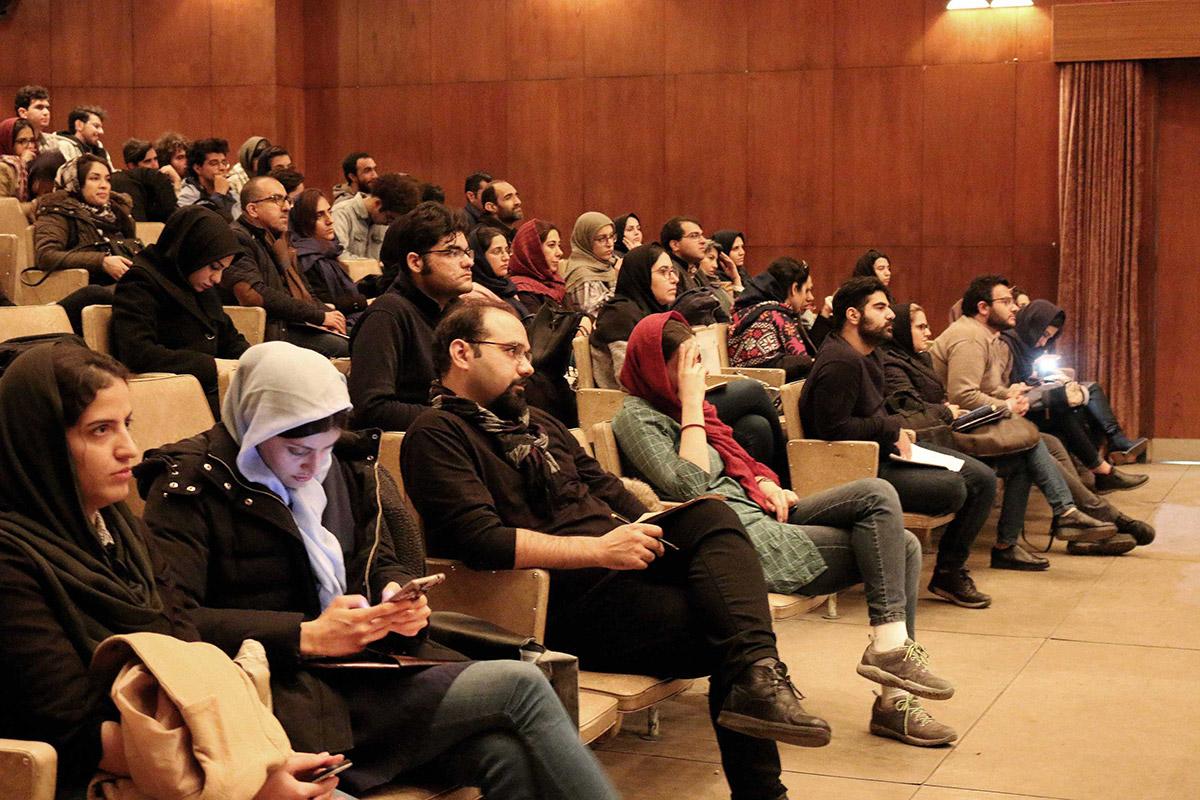 سمپوزیوم بین المللی هنر و بعد چهارم، پردیس هنرهای زیبا، دانشگاه تهران. دی ماه ۱۳۹۷